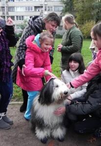 Vaikams šunys suteikė daug džiaugsmo